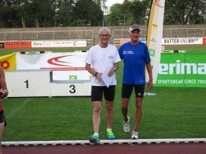 mit meinem Trainingspartner Hans, der über 400 Meter 2. wurde.
